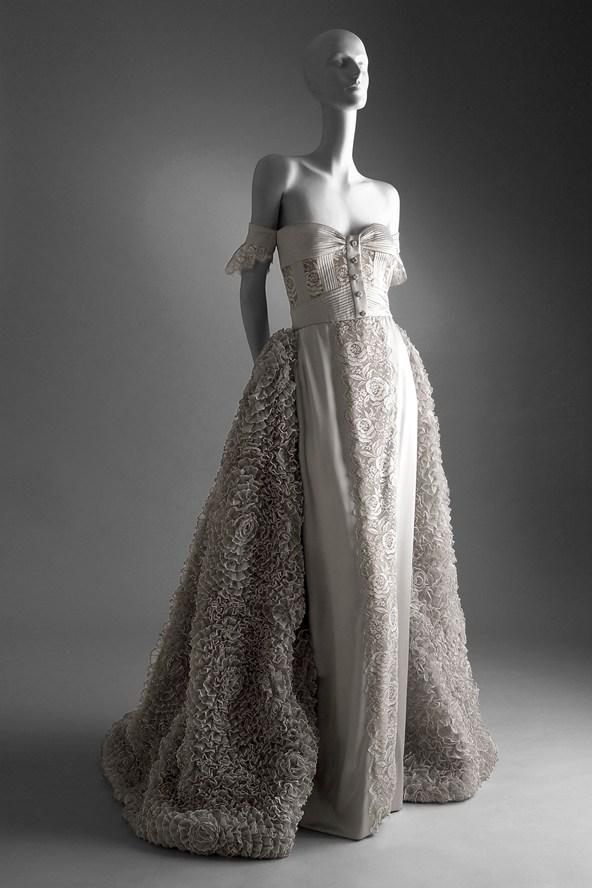 Valentino Garavani Wedding Dresses & Prom Dresses Exhibition 2012 ...
