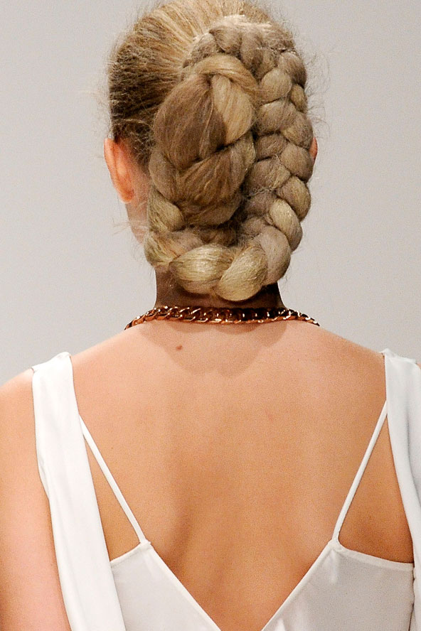dramatic-bride-hairstyles-with-buns weddingguideline - Beautiful Wedding Hairstyles